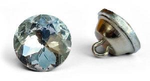Wymiana guzików wezgłowia z tapicerowanych na kryształowe